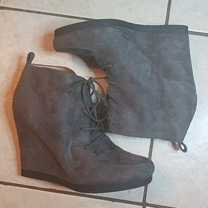Nine West Taupe Gray Microsuede Wedge Booties